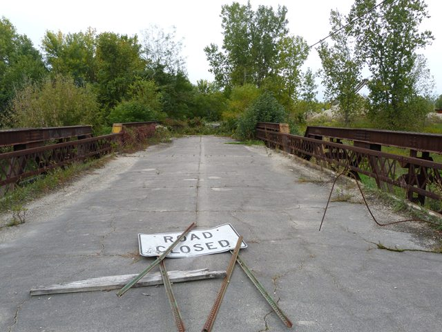 CR-200 West Bridge