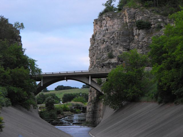 Hog's Back Bridge