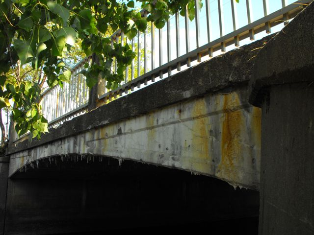 Gillespie Avenue Bridge
