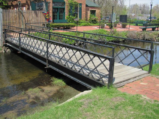 Paw Paw Footbridge
